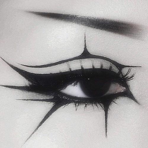 Gotycki makijaż oka
