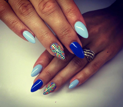 niebieskie z kolorowym