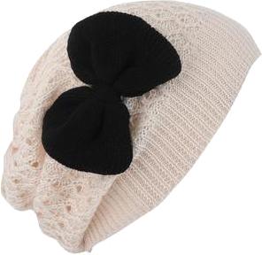czapka z kokardą